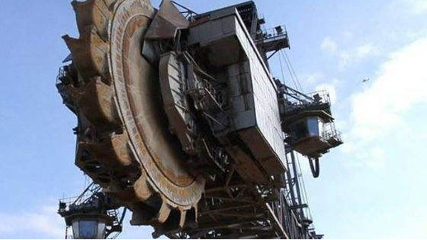 二手工程机械进口报关一般有哪些费用?