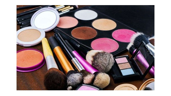 千赢国际手机版官方网页化妆品清关要提供什么资料?