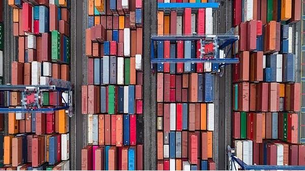 前11个月我国外贸同比增长11.1%