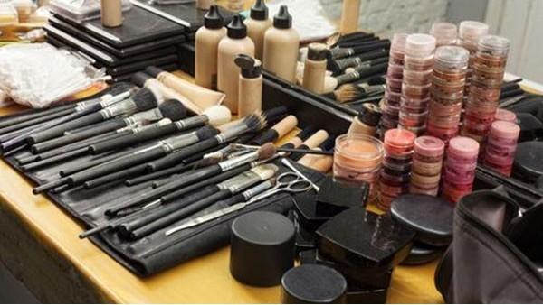 私人化妆品进口政策礼包(中)